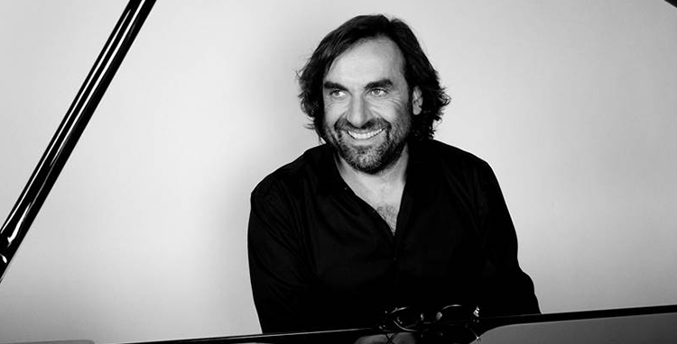 Photo André Manoukian compositeur augmenté